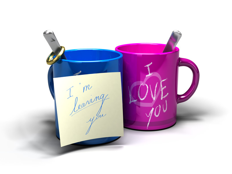 "I want a divorce: Blue cup with sticky note that says, ""i'm leaving you."""