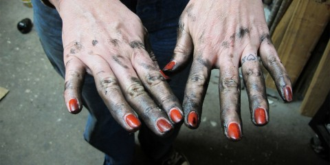 dirty-manicured-hands-red-polish-grease-girl-480x240.jpg